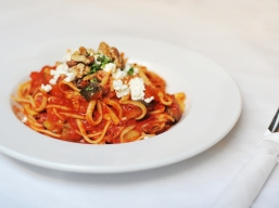 → Smoked Vegetable Ratatouille on Bucatini – with goat's cheese and walnuts
